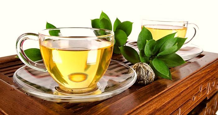 White-Tea-drink